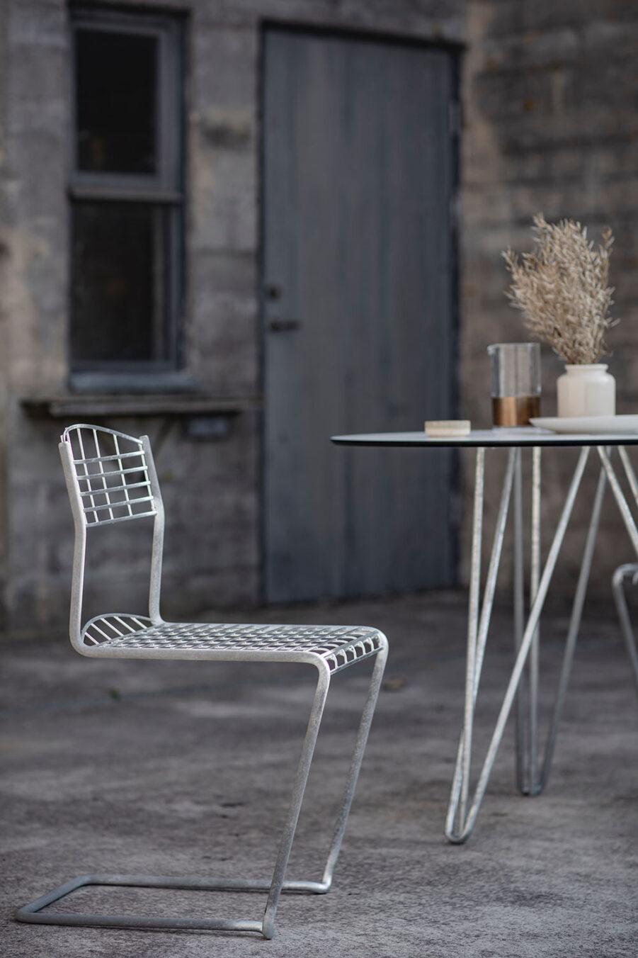 High tech stol i stål från Grythyttan.