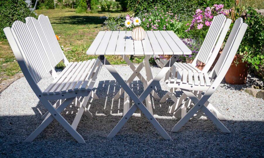 Slite matgrupp i vitt från Guteform på Gotland.