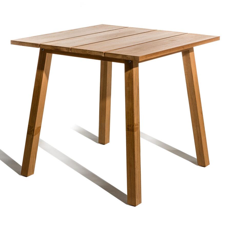 Onnö bord i storleken 80x80 cm från Skargaarden.