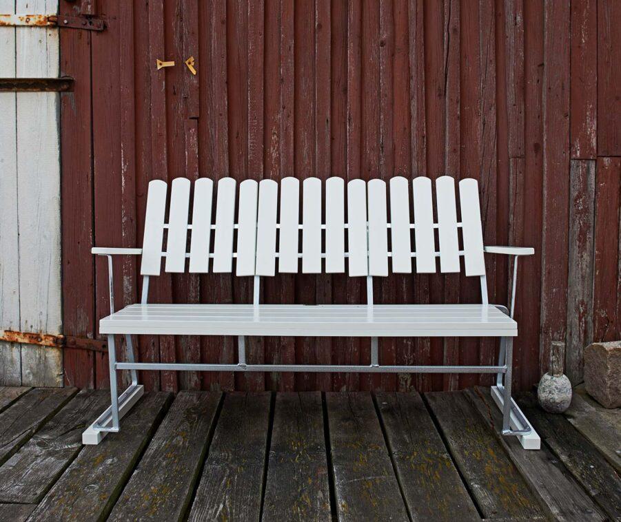 Soffa 6 från Grythyttan Stålmöbler i vitlackad ek.