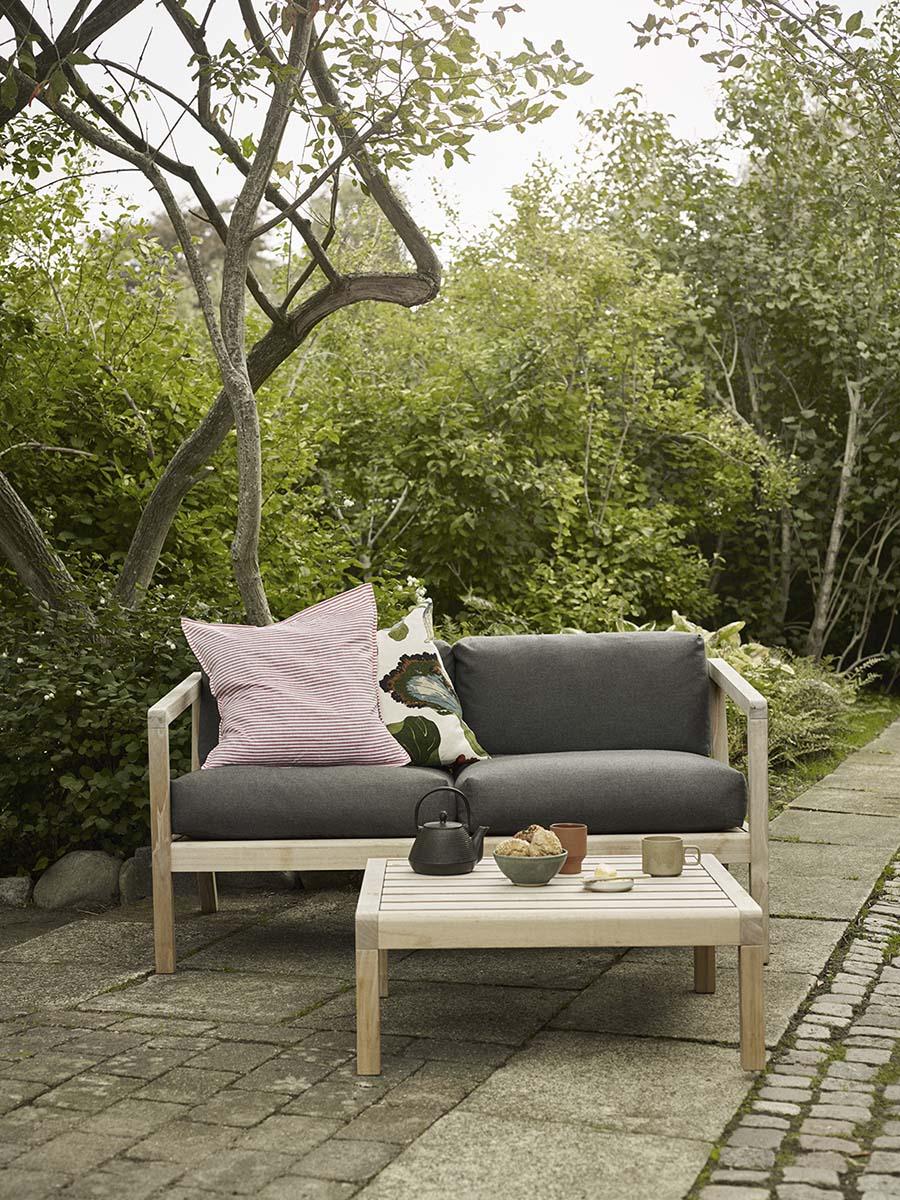 Miljöbild på Virkelyst soffa med soffbord.
