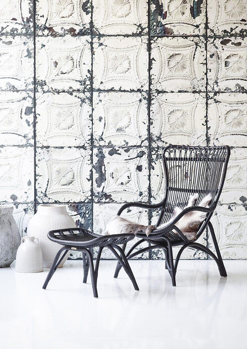 Monet stol och fotpall i matt svart natur-rotting från Sika-Design.