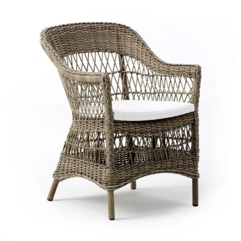 Charlot karmstol i antik från Sika-Design.