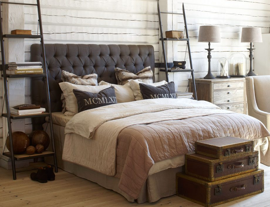 Miljöbild på London sänggavel i brunt,