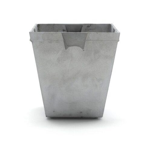 Planteringskärl no.5 i aluminium från Byarums Bruk.