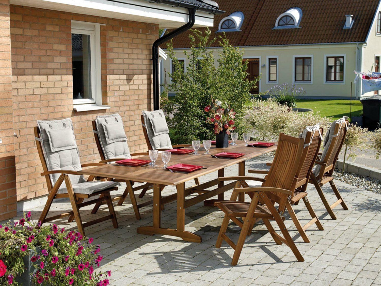 Everton matgrupp med sex stolar och bord.