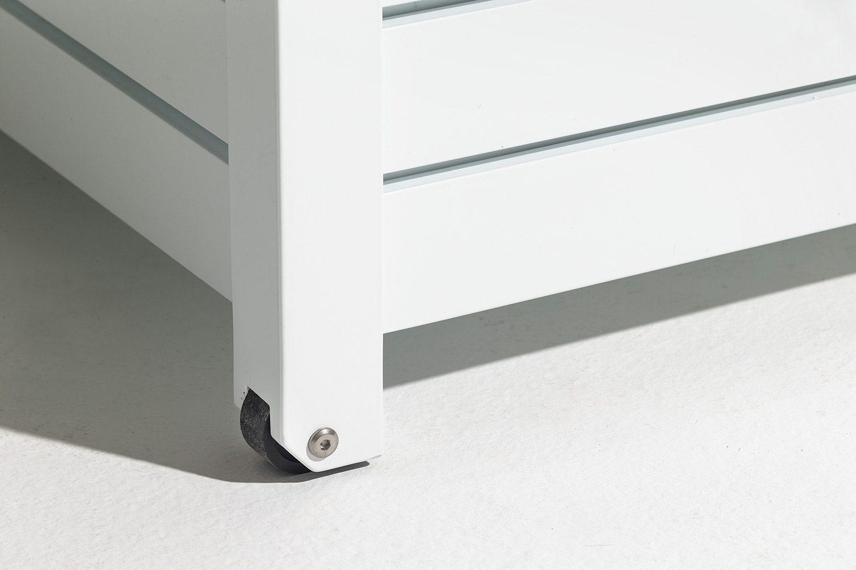 Detaljbild på Fri Forms förvaringslåda i vitlackad aluminium.