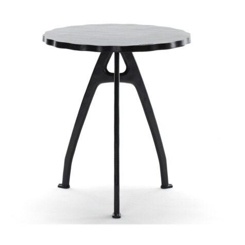 Odd bord i svart med vågkant från Byarums Bruk.
