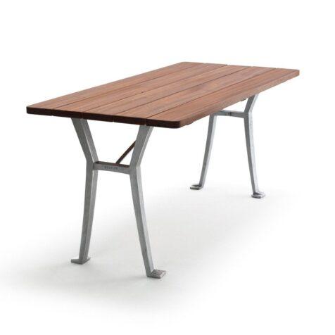 Lessebo bord i oljad mahogny med naturfärgat stativ från Byarums Bruk.