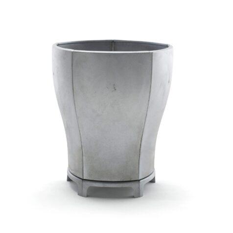 Blom växtkärl från Byarums Bruk i återvunnen aluminium.
