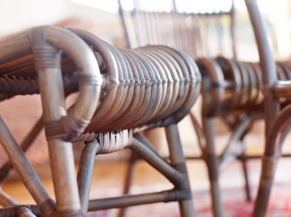 Detaljbild på Råå matstol i rotting.