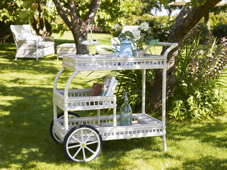 Miljöbild på James serveringsvagn i vit konstrotting från Sika Design.