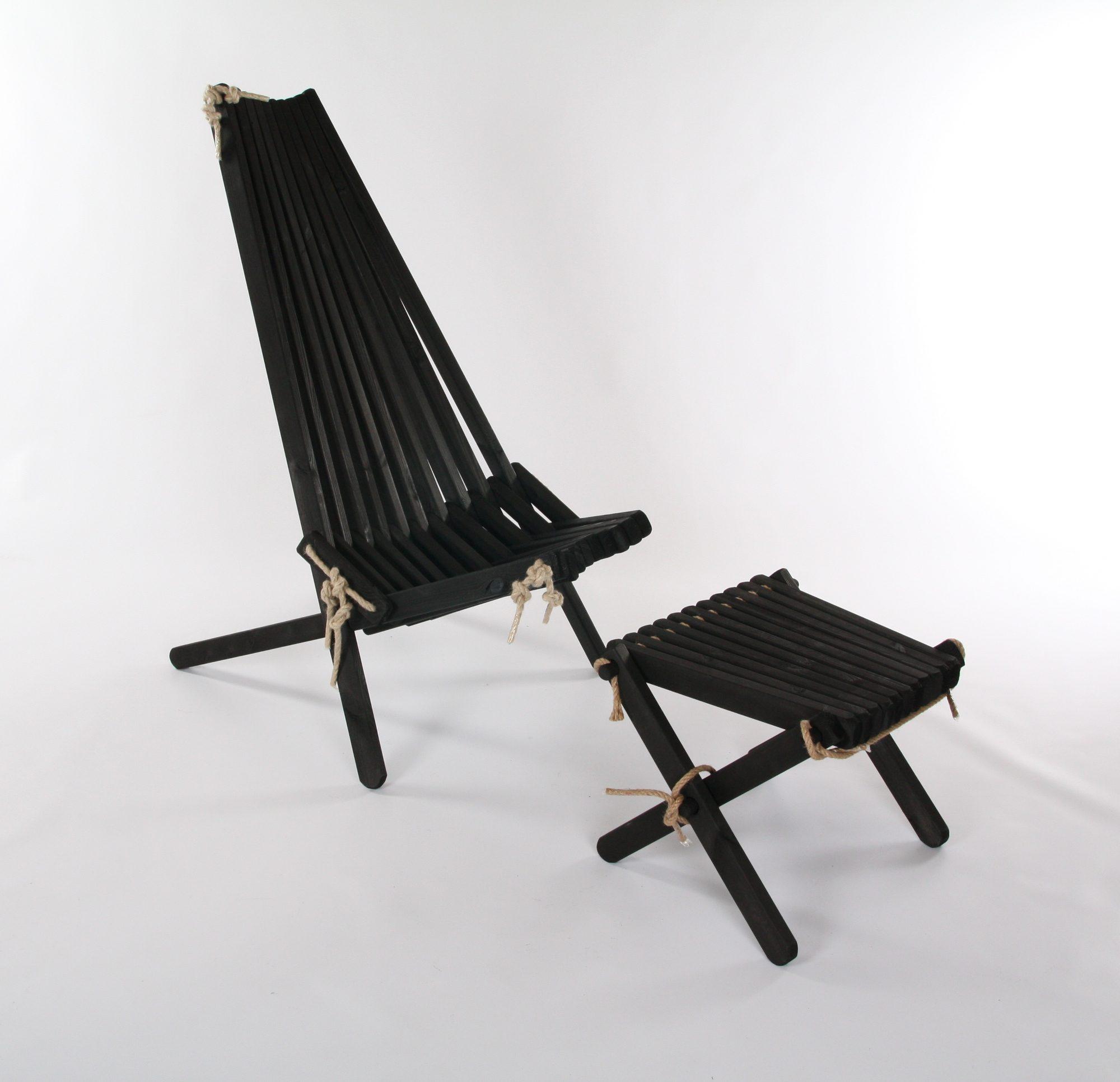 Ribbon i svartlaserad furu från Kila Möbler.