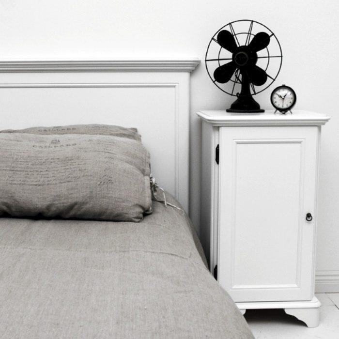 Solgåden sängskåp