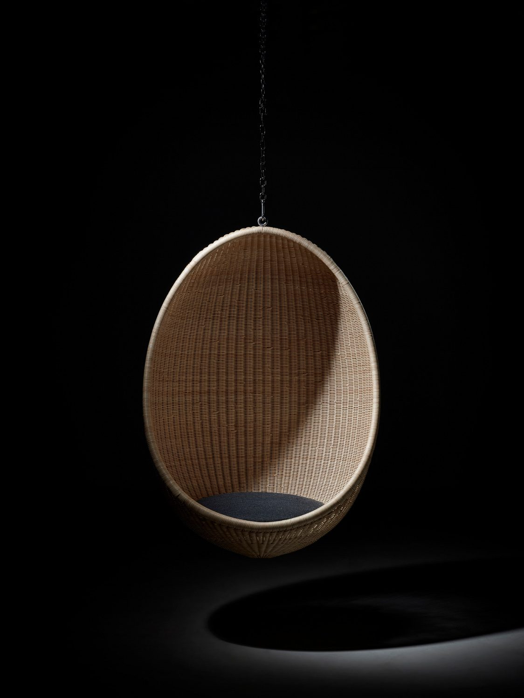 Hänggunga i rotting designad av Nanna Dietzel från Sika-Design.