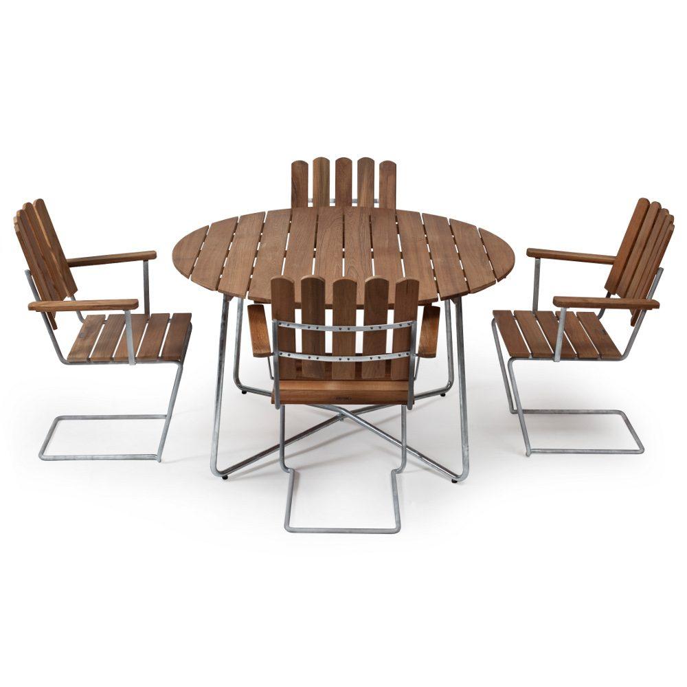 Klassikergrupp från Grythyttan bestående av fyra A2 fåtöljer och ett 9A bord i teak.