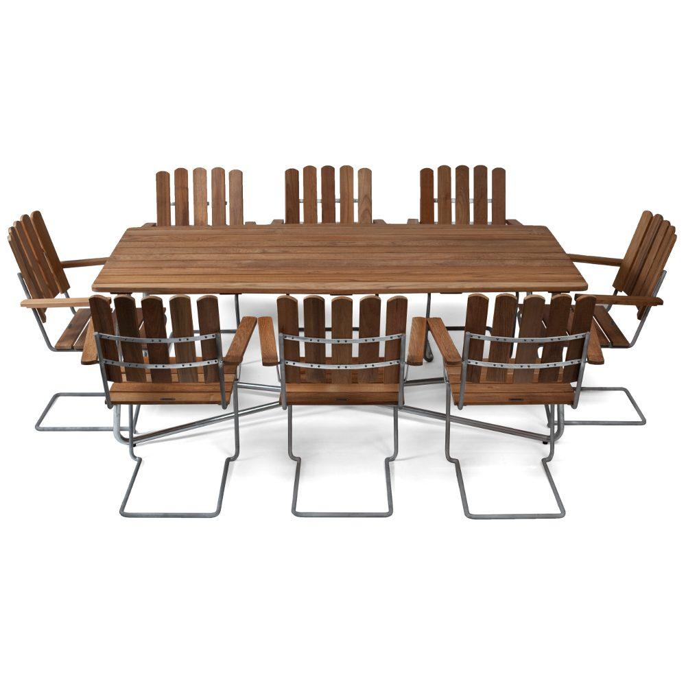Klassikergrupp från Grythyttan bestående av åtta A2 fåtöljer och ett stort B30 bord i teak.