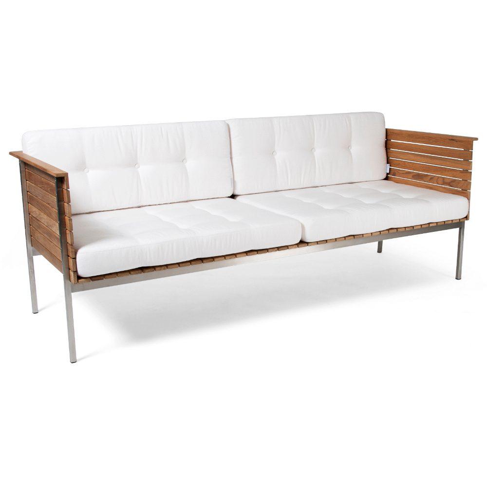 Häringe soffa i teak och borstat stål med vit dyna.
