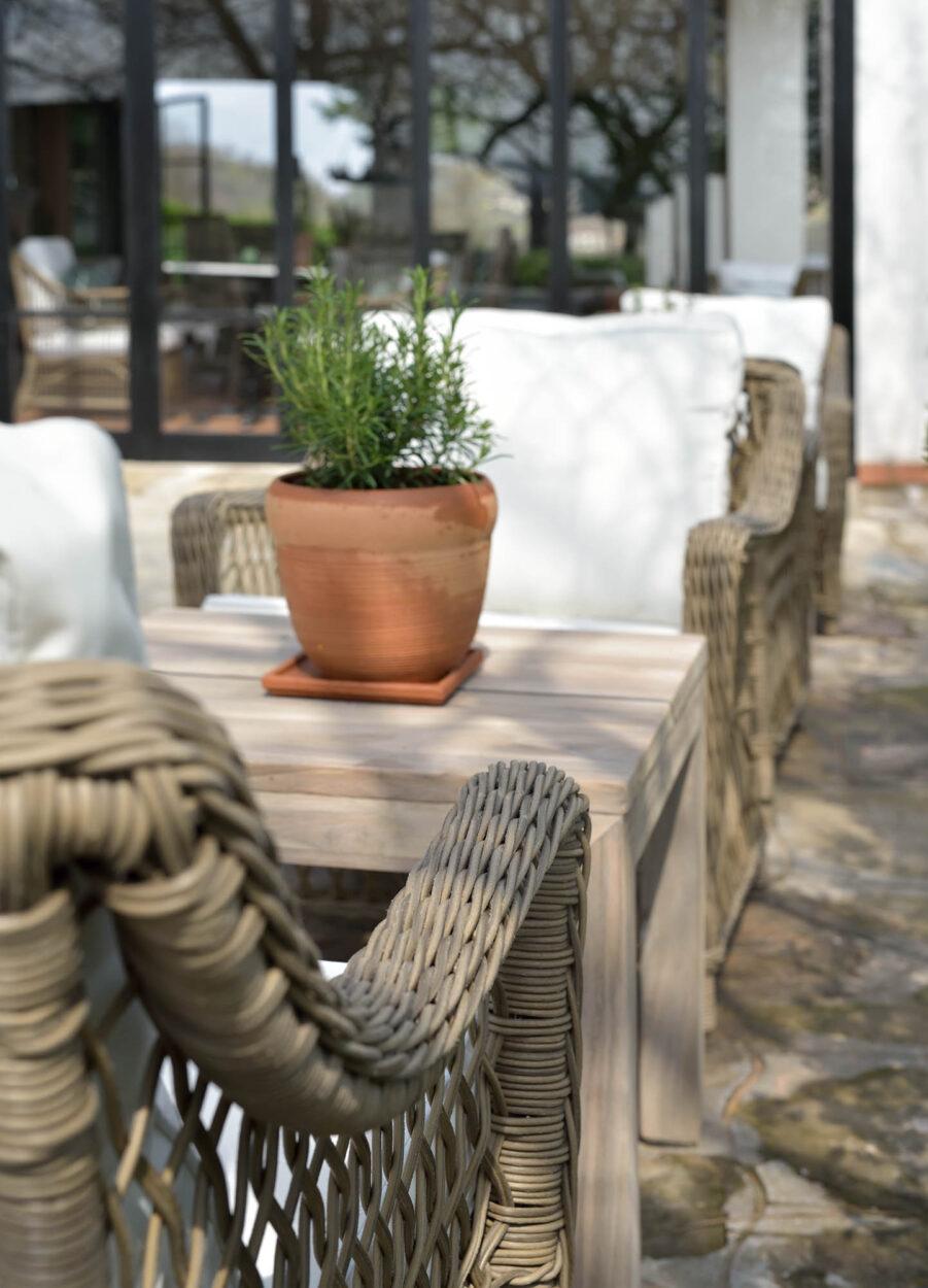 Miljöbild på Marbella konstrottingmöbler från Artwood.