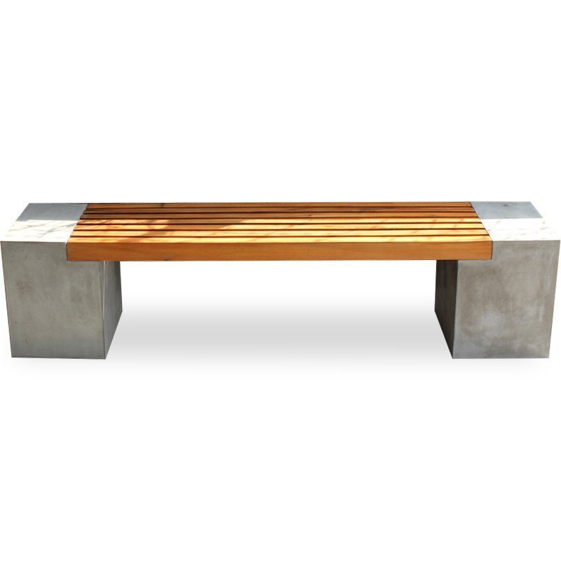 Kraftig bänk i trä och betong från Indoor Outdoor Scandinavia.