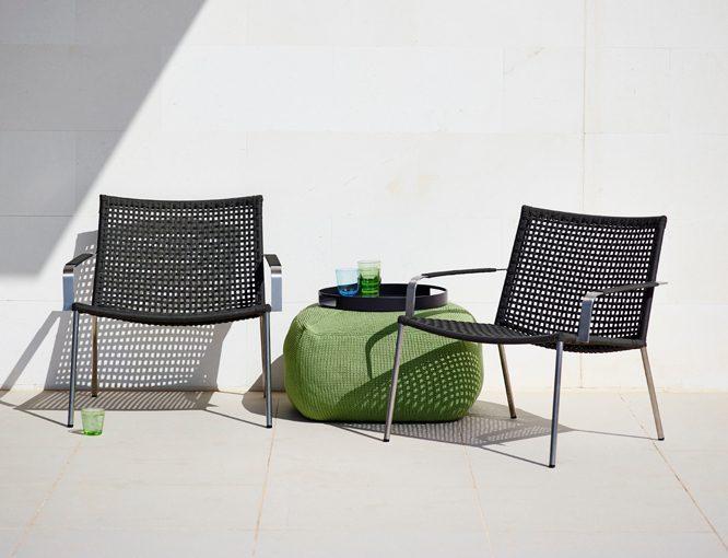 Divine fotpall i grönt med Straw loungestol.