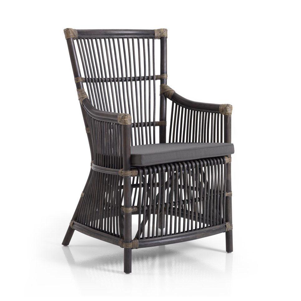 Bonete karmstol i grå rotting med grå dyna.
