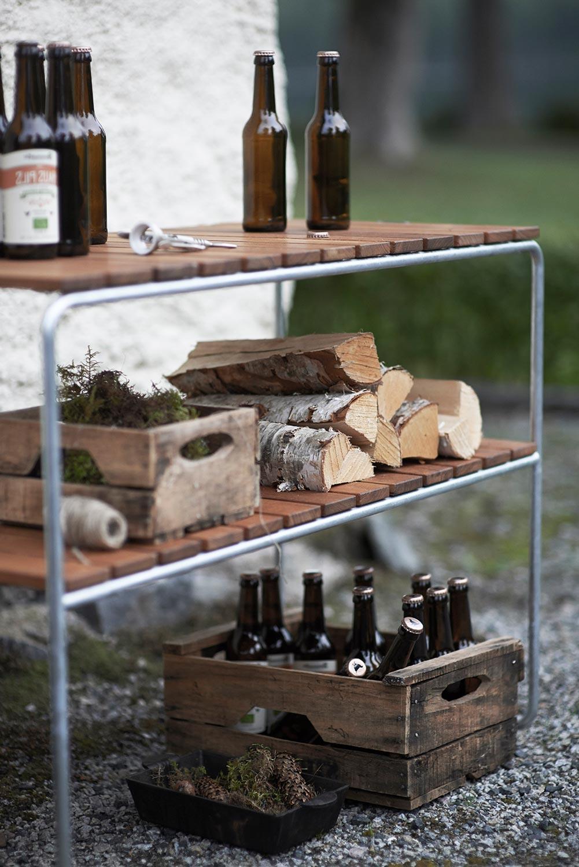 L105 bord i teak med galvaniserat stativ från Grythyttan Stålmöbler.