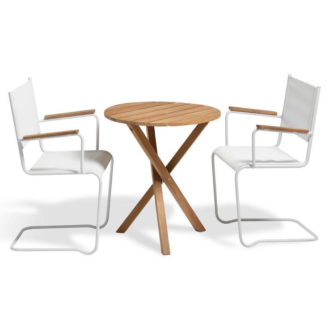 Summer fåtölj i vitt med Summer cafébord från Inout | Form.