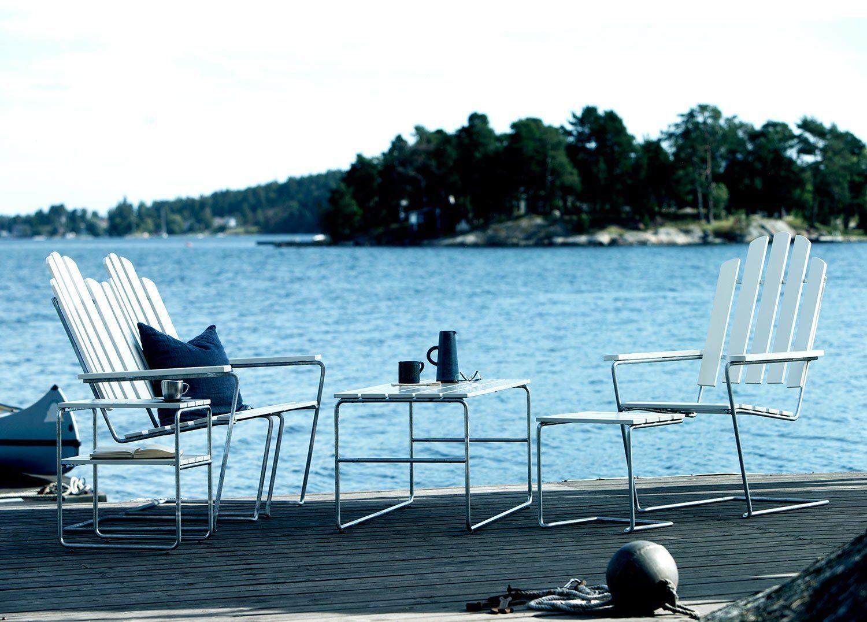 Loungegrupp från Grytyttan Stålmöbler i vitlackad ek med galvaniserat stativ.