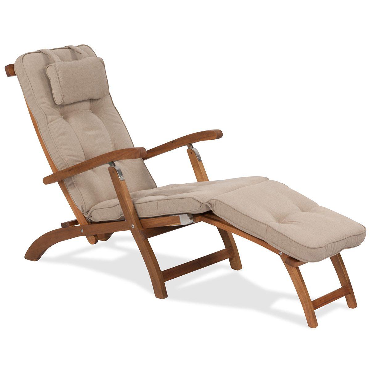 Arizona däckstol i oljad acasia med rostfria beslag och Woodline dyna i beige dralon.