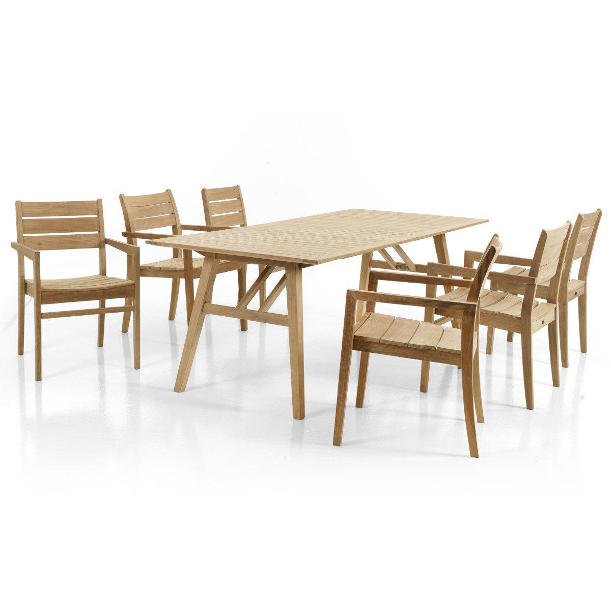 Chioskarmstolar tillsammans med Chios matbord helt i teak.