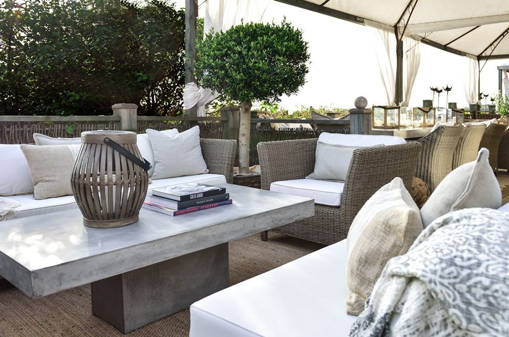 Campos soffbord i betong med Agusta fåtölj och soffa från Artwood.