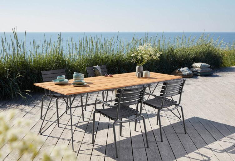 Miljöbild på ReClips stolar med Sketch matbord.