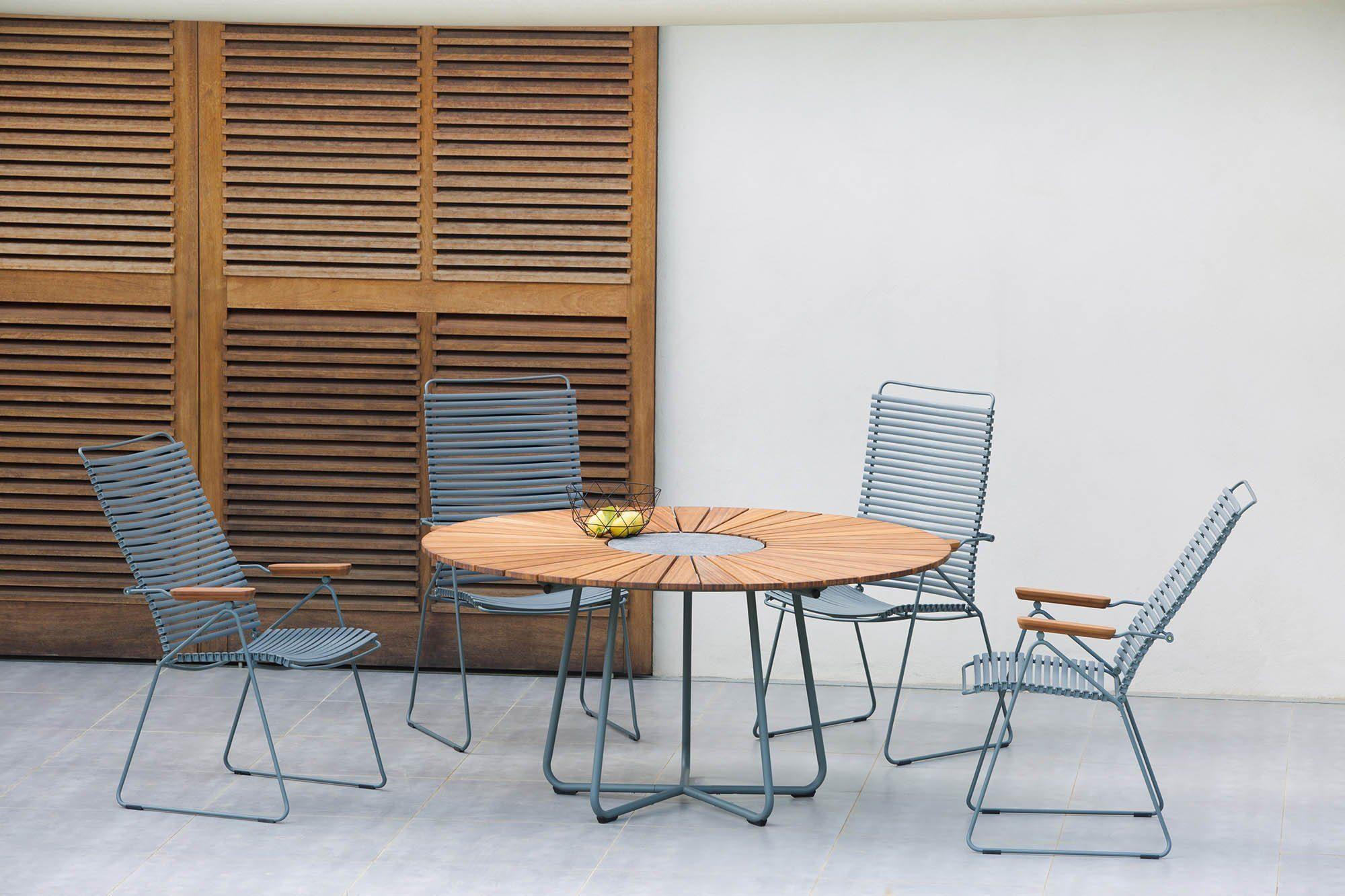 Circle bord med Click positionsstol från Houe.