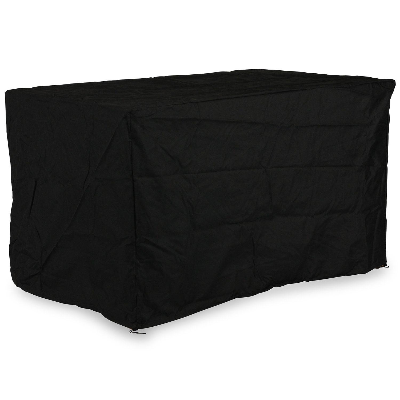 Möbelskydd från Cane-Line i svart polyester med storleken 160x145 cm.