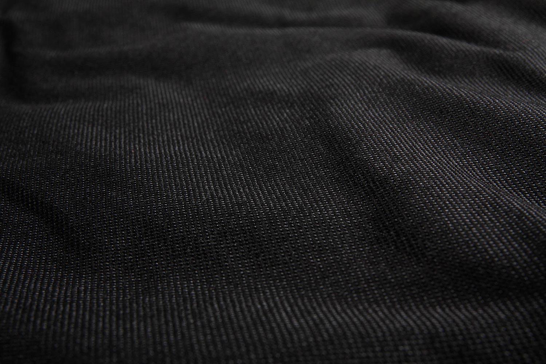 Detaljbild på väven till Cane-Lines möbelskydd.