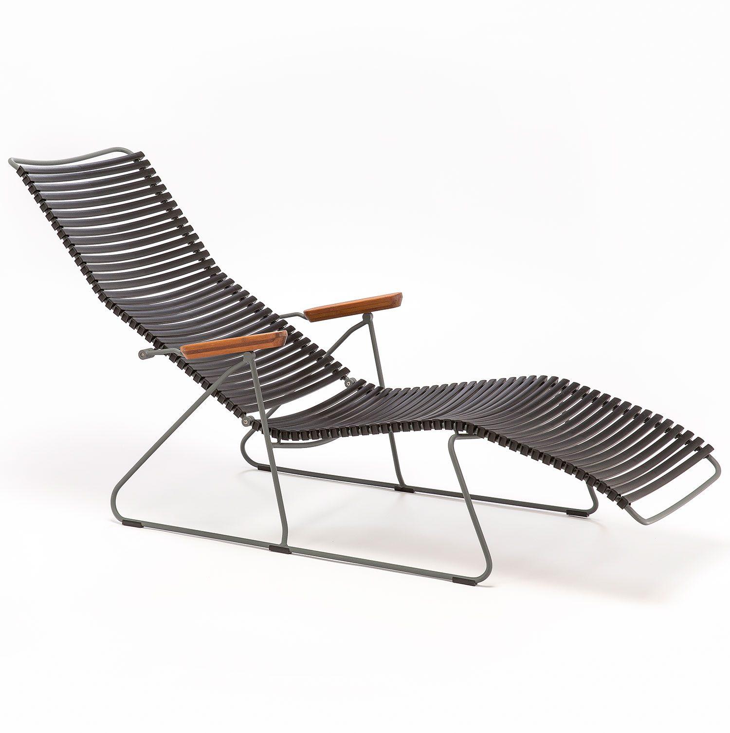 Click däckstol med svarta plastlameller i plast från Houe.