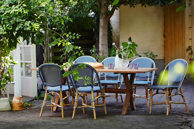 Sofie caféstol från Sika-Design tillsammans med teakbordet Colonial.