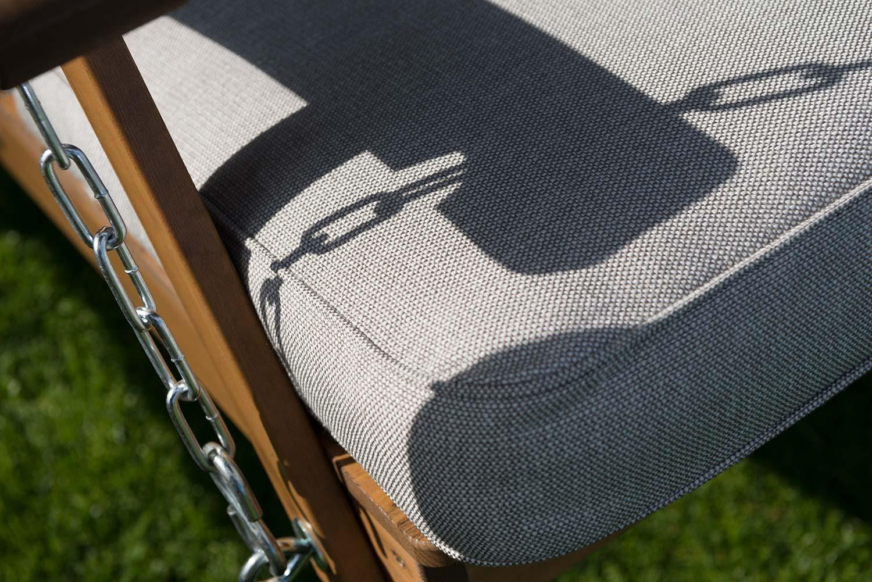 Detaljbild på Dalom hammock i kanellasyr från Hillerstorp trä.