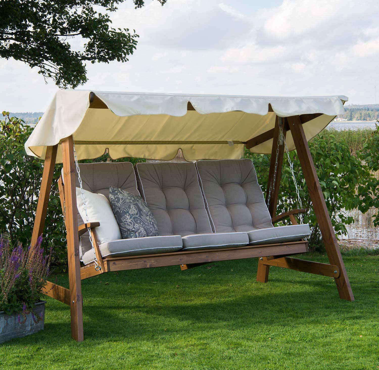 Dalom hammock i kanellasyr från Hillerstorp trä med dynor och tak.