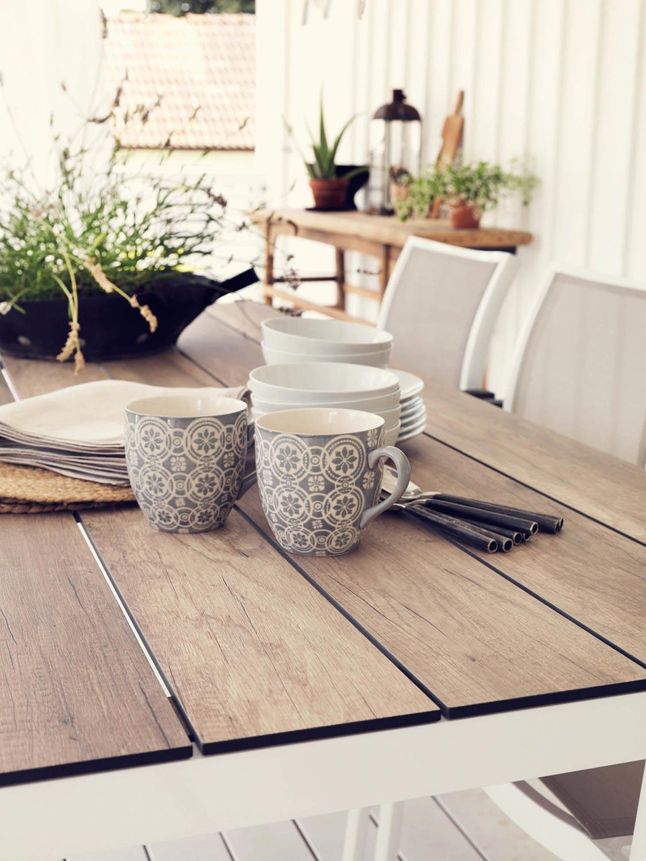 Rodez bordsskiva i naturtrogen laminat från Brafab.