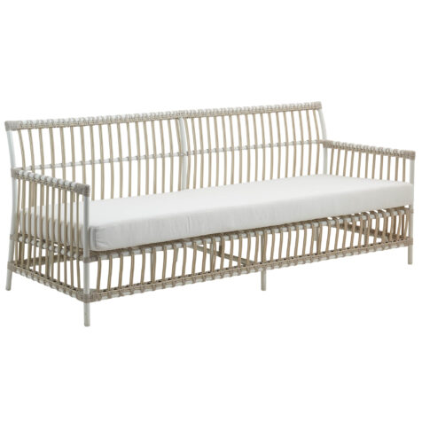 Sika-Design Caroline soffa i färgen dove med vit dyna.