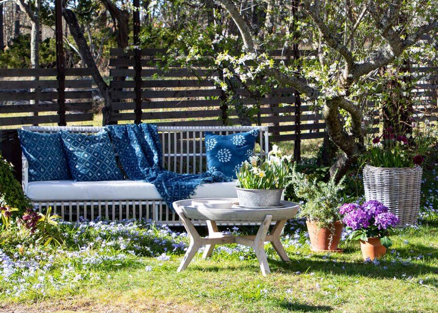 Bild på Caroline soffa från Sika Design med TOnga soffbord från Artwood.