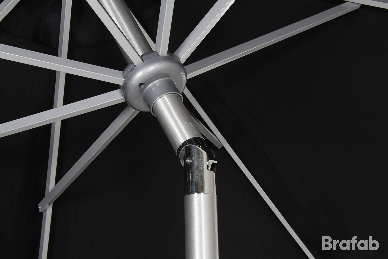 Detaljbild på Andria tiltbart parasoll i svart från Brafab.