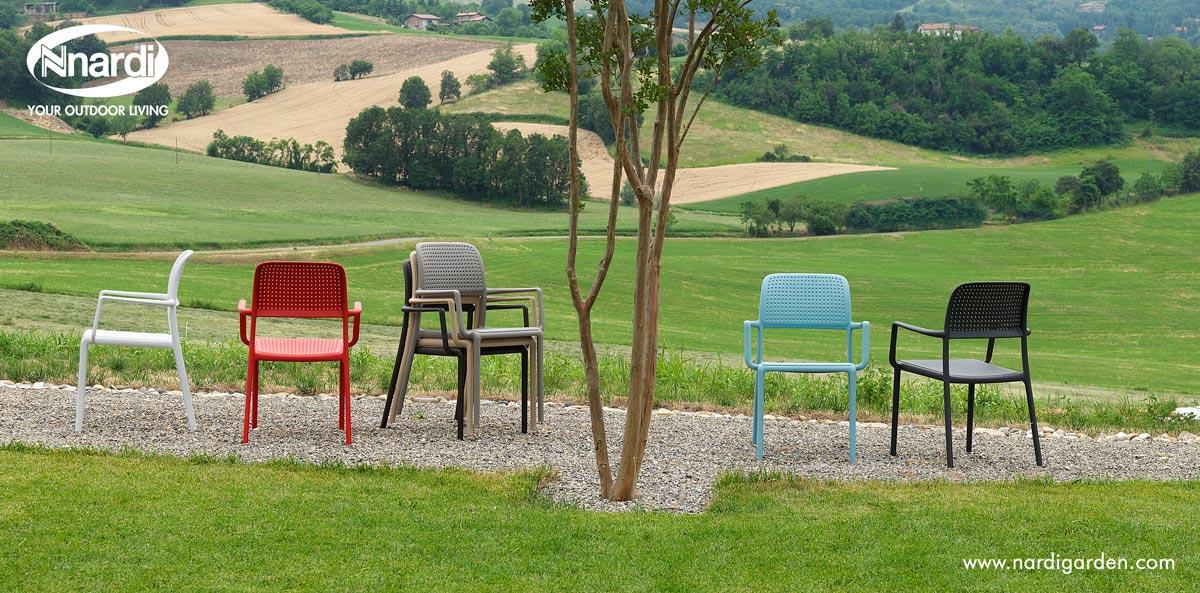 Bora karmstol i flera olika färger från Brafab.