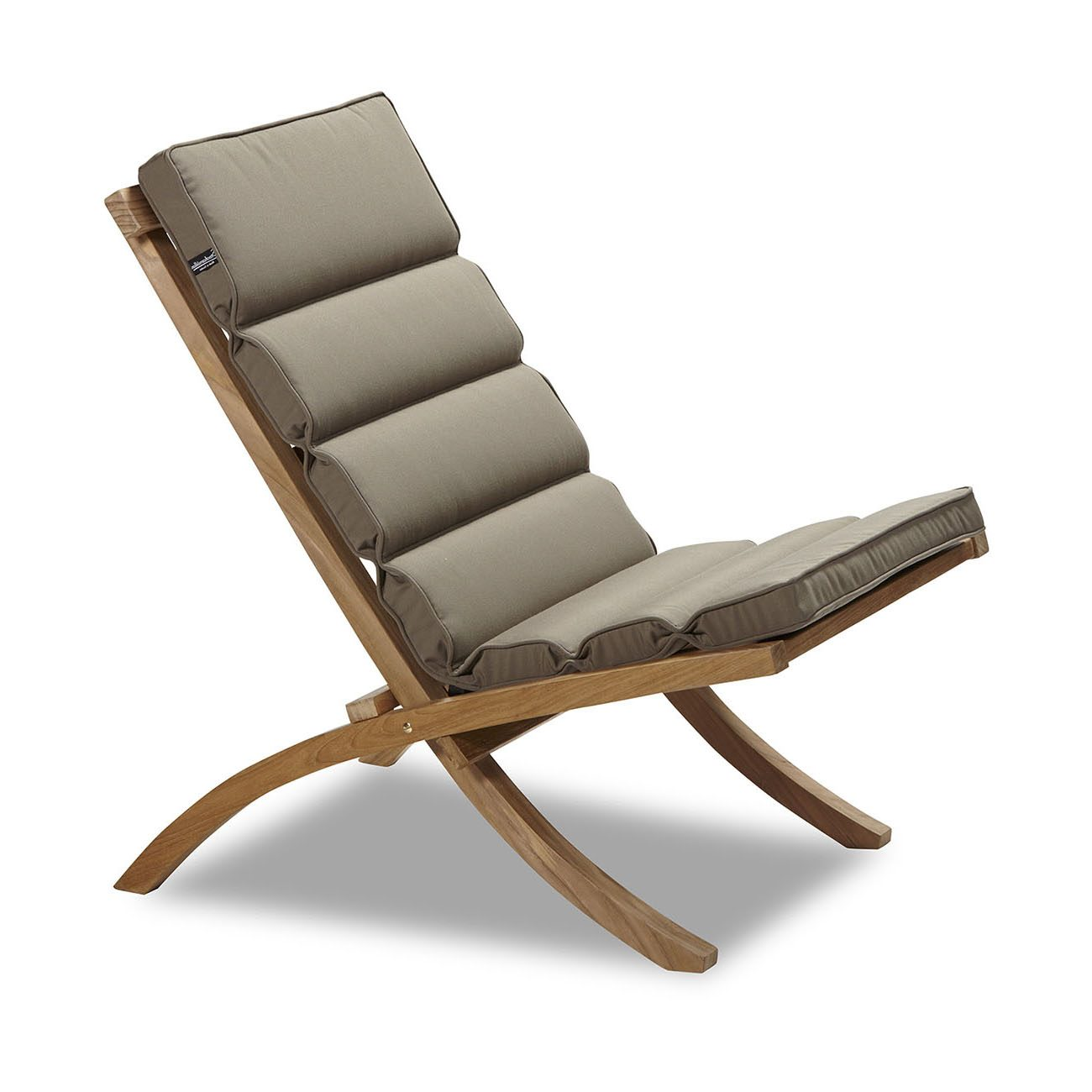 En sandfärgad dyna i Musko stol från Stockamöllan.