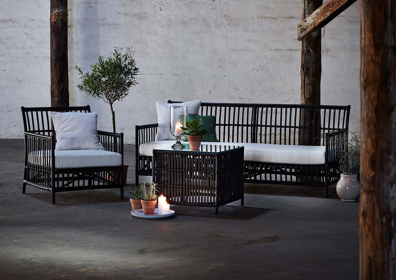 Donatello fåtölj, soffa och sidobord från Sika Design.