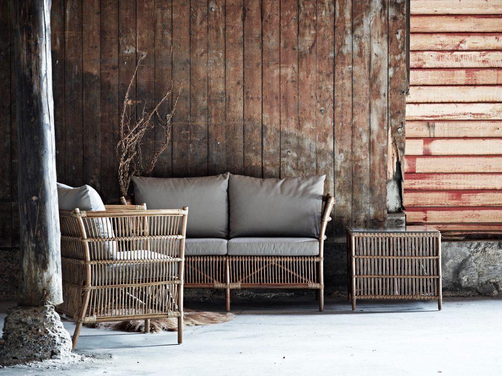 Donatello fåtölj, soffa och sidobord i färgen antik från Sika Design.