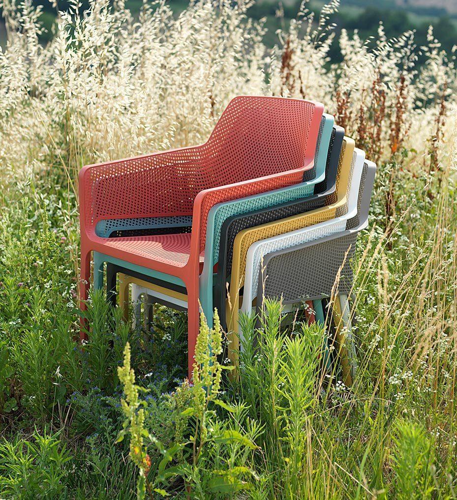 Net karmstol i flera olika färger från Brafab.