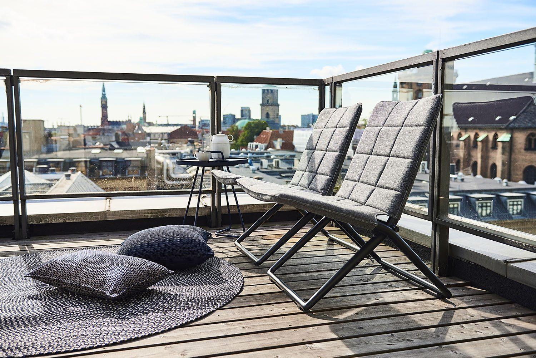 Traveller fällstolar lounge, on-the-move, defined och prydnadskuddar.